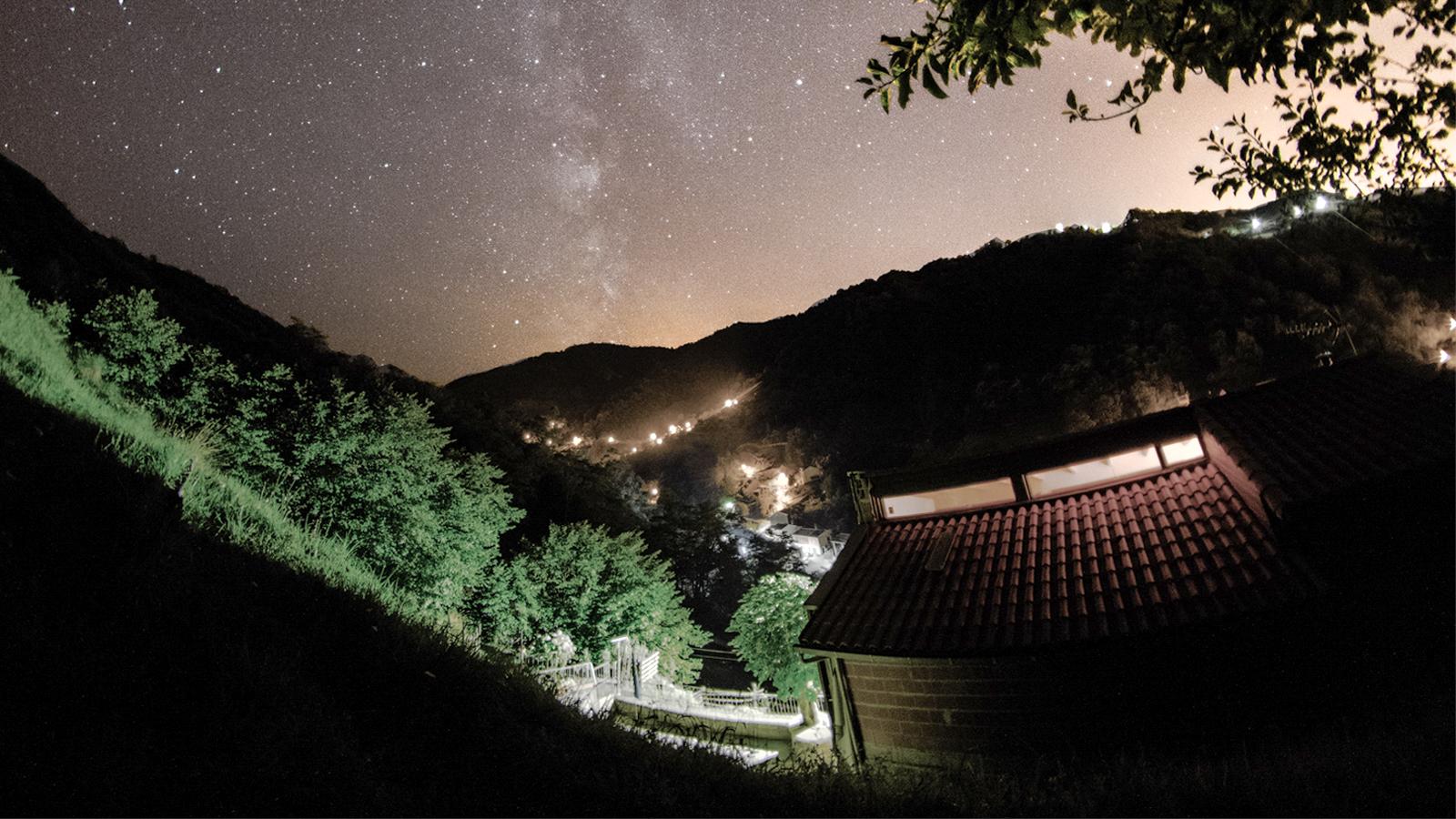 Vivienda La Cabaña. Foto nocturna