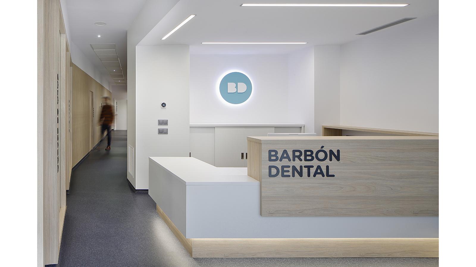 Clínica dental B. Fotografía 1